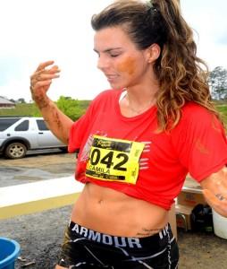 Modelo fitness Camila Guper é destaque na Xtreme Race
