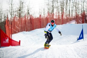 Andre Cintra retorna ao Brasil após conquistar medalha inédita na Copa do Mundo de Snowboard