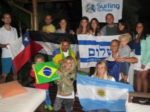 Pâmella Mel representa o Brasil no Surfing 4 Peace, em Florianópolis