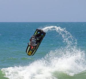 Bruno Jacob realiza treinamento em ondas gigantes na Inglaterra