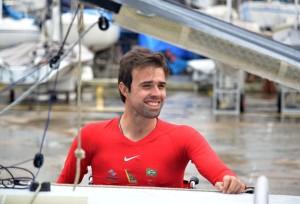 Velejador paralímpico representará o Brasil na Holanda