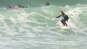 Prodígio do surf feminino volta a competir no fim de semana